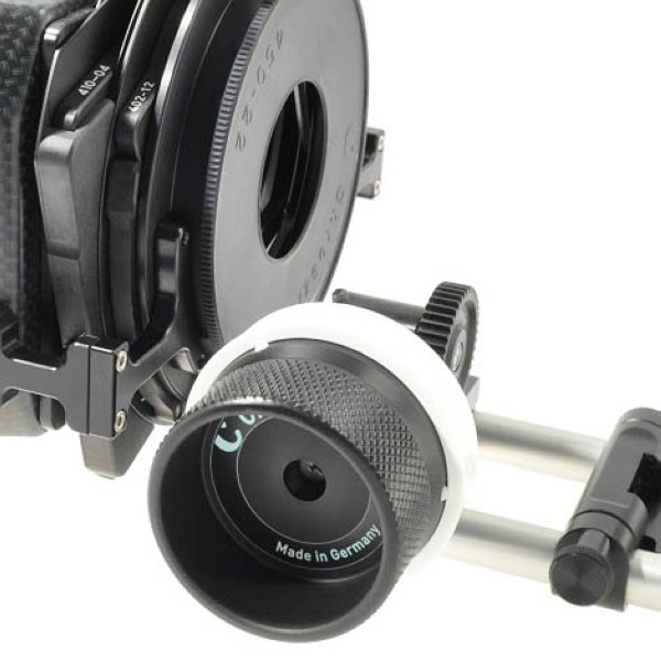 Chrosziel 206-05S привод Follow Focus Ручной привод фокуса для портативных камер. Удешевленная версия компактного привода фокуса DV Studio Rig, разработанного специально для ручных и портативных видео