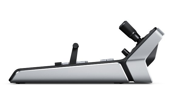 Blackmagic Design ATEM 1M E Advanced Panel  кнопочная панель ATEM 1 M E Advanced Panel – стильная консоль управления в привычном дизайне с ЖК-дисплеем, джойстиком и эргономичными клавишами для управле